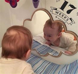 Arredamento in legno online-Hot Home Décor Bambini Cartoon Specchio decorativo Bagno Baby Room Rabbit Star Legno acrilico Specchio cornice Creative Home Art Wall