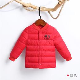 2019 ropa de temporada de invierno bebé Los niños fuera de temporada por la chaqueta de algodón acolchado chaqueta de la ropa del bebé del muchacho del invierno de los niños del interior acolchado uso fuera de temporada de algodón ropa de temporada de invierno bebé baratos