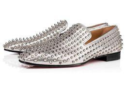 spicchi d'argento dei mocassini d'argento Sconti Brand Slip On Studded Uomo Mocassini Fashion Silver Leather Spikes Oxfords Rivet Casual Dress Shoes Flats Uomo Scarpe da sposa