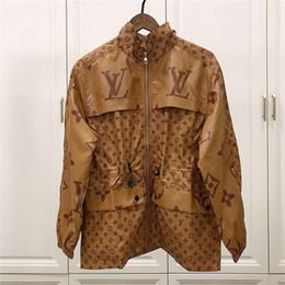 Giacca firmata da donna Fashion Brand Zipper Slim Vita con cappuccio Pocket Letters Stampa Primavera Antumn Luxury Jacket Stand Collar Coat Taglia M-2XL da lungo mantello in pizzo d'oro fornitori