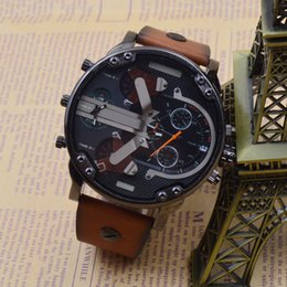 наручные часы Скидка Экстравагантный бренд мужской Кварцевые наручные часы DZ стиль многофункциональный мульти часовой пояс запустить второй спортивные часы коричневый ремешок большой циферблат
