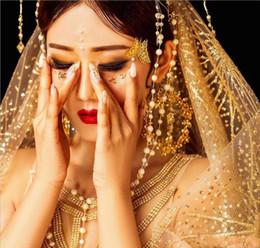 Lange schleier perlen online-Atemberaubende 2019 Hot Blingbling voller Pailletten langen Schwanz Brautschleier Elfenbein Champagner Gold langen Brautschleier Luxus Perlen Schleier AL2279