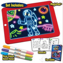 3D Sihirli Pad LED Yazı Tahtası Plastik Yaratıcı Sanat Sihirli Kurulu Için Kalem Fırça Ile Çocuk Pano Eğitim Seti hediye nereden