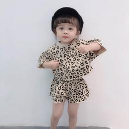 2019 melhor roupa New chegou leopardo Meninas Outfits 2019 Verão de manga curta Tops + Shorts Crianças Define crianças roupas de grife roupas infantis Meninas Melhores Ternos A3767 melhor roupa barato