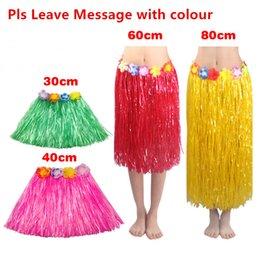 Vestido de plástico vestido online-Traje hawaiano Faldas de hierba Falda de hula Fibras de plástico Patry hawaiano Decoraciones Niños Niños Adultos Hula Show Falda Vestido de baile de playa