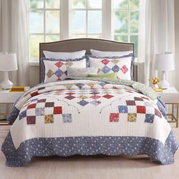 2019 patchwork quilt bettdecken American Patchwork Tagesdecken Quilt Set 3-teilig handgefertigte Floral Quilts * 1 Kissenbezug * 2 Bettdecke King Queen Size Bettwäscheset rabatt patchwork quilt bettdecken