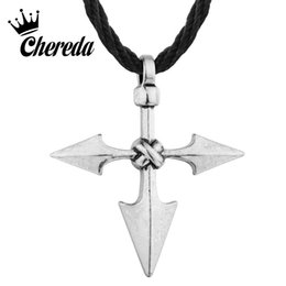Gran colgante vintage online-Chereda Large Warrior Spear Viking Cross Jewelry Colgante de plata antiguo vintage para hombre Flecha elegante collares