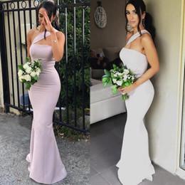 Vestido de dama de honra de comprimento do chão de cetim on-line-2020 Modern Mermaid Vestidos dama de honra para casamentos cetim de um ombro mangas até o chão Plus Size Maid Formal de honra Vestidos
