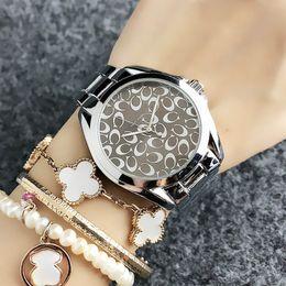 Mädchen uhren neue stil online-Mode-Marken-Frauen Mädchen New Yorker Stil Zifferblatt Metall Stahlband Quarz-Armbanduhr 01