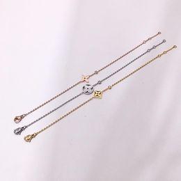 2019 bracelet en diamant fleur Marque creuse forme de fleur avec diamant de chaîne bracelet femmes cadeau de mariage bijoux expédition de baisse PS6280A bracelet en diamant fleur pas cher