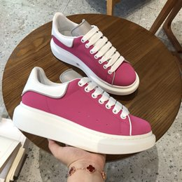 Neue Herrenmode Luxus Plattform Schuhe flaches beiläufig Man Walking beiläufiger Turnschuh Luminous Fluorescent Weißbeschuhten xsd19061011