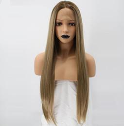gerade blonde perücke wurzeln Rabatt Natürliche Hochtemperaturfaser Lange Seidige Gerade Blonde Ombre Dark Roots Synthetische Lace Front Perücke Für Weiße Frauen