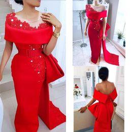 Einzigartige rote kleider online-Einzigartige Red Mermaid Prom Abendkleid 2019 Mantel Applizierte Spitze Perlen High Split Formale Party Kleider Roter Teppich Kleid BC2244