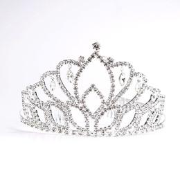 einfache tiara krone Rabatt Mädchen Glänzende Strass Party Kopfschmuck Braut Hochzeit Zarte Haarbänder Haarschmuck Frauen Einfache Mode Tiara Crown