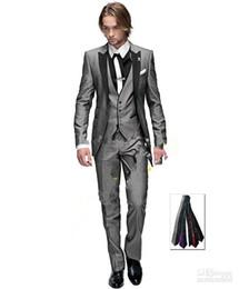 Chaleco gris claro 48 online-Nueva Venta caliente Gris claro Un botón Pico Solapa Novio Esmoquin Padrino de boda de los hombres de la boda Trajes de baile (Chaqueta + Pantalones + Chaleco + Corbata) XZ24