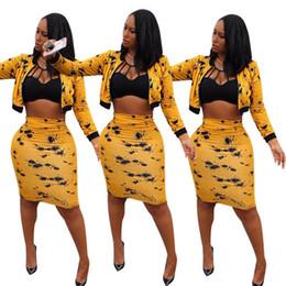 Envío gratis 2019 mujeres imprimir cremallera chaqueta de béisbol + falda vestido de dos piezas traje delgado ocasional 2pcs trajes XXL desde fabricantes