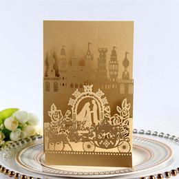 hochzeitskarten einladung braut Rabatt Neue 2019 Hochzeitseinladungskarten Castle Laser Cut Hohl Hochzeit Gefälligkeiten Partykarten Braut Und Bräutigam Wagen Heißer Verkauf