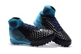 Yeni Orijinal Mavi Siyah Beyaz Futbol Cleats Magista Obra Acc Ii Tf Futbol Çizmeler Yüksek Ayak Bileği Kapalı Futbol Ayakkabıları nereden