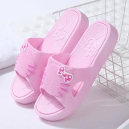2019 semelles roses chaudes HOT été femmes Casual Hello Kitty chaton bande dessinée peep toe épaisse semelle pantoufle pantoufles plates chaussures semelles roses chaudes pas cher