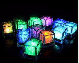 rgb led lights vase base Desconto Luzes LED Partido Mini Cor Praça Alterar cubos de gelo de LED Glowing Fornecimento dos cubos de gelo Piscando Piscando novidade partido