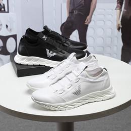 Chaussures pour hommes à la main de chaussures à la main nouvelle station européenne en cuir supérieure chaussures plates 38-45 usine livraison gratuite directe ? partir de fabricateur