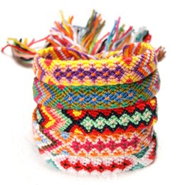 Brazil bracelets en Ligne-Brésil Boho Main Armure Tressé Bracelets pour Femmes Bohème Vintage Chanceux Arc-En-Coton Corde Népalaise Charme Ethnique Bracelets Bijoux DHL