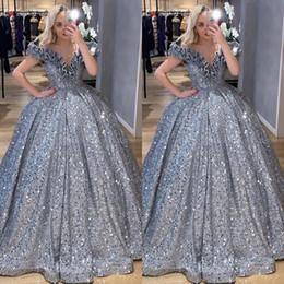 Glitter Prata Lantejoulas árabe Vestido De Baile Vestidos Quinceanera 2020 Fora Do Ombro Babados Masquerade Plus Size Doce 16 Vestido