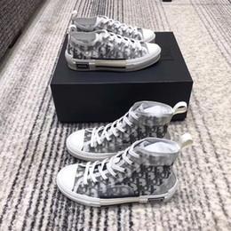 2019 diseñador de moda de lujo para hombres y mujeres zapatos de diseño único aviones de verano superestrella botas tamaño 35-44 desde fabricantes