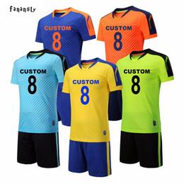 Homens faculdade futebol on-line-Uniformes de futebol homens faculdade de futebol personalizado jerseys set de futebol respirável kits de equipamento de futebol survetement futebol 2018 novo