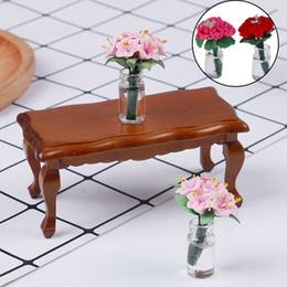 móveis finais Desconto 1:12 Falso Planta Flor Casa De Boneca Brinquedo Lírio Garrafa De Vidro Arranjo de Flor Café End Table Dollhouse Mobiliário Acessórios