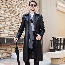 schwarze grabenmänner Rabatt Herren Lange Ledermantel Klassische Schwarze Anzug Kragen Männer Kleidung Männlichen Herbst und Winter Verlängern Lederjacke Männer Trenchcoat