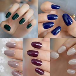 Gel nails dicas verdes on-line-24 pçs / set Azul Nude Cobertura Completa Unhas Postiças Curtas Rodada Suave Cor Pura Verde Oval UV Gel unhas Postiças Artificiais Artific ...