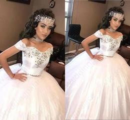 Off ombro vestidos de casamento puffy on-line-Vestido De Baile Do Vintage Puffy Vestidos De Casamento 2019 Custom Made Frisada Fora Do Ombro Doce 16 Vestidos Formais Do Partido