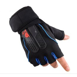 mountain climbing tools Coupons - 2019 New Man Summer Outdoor Tool Sports Half Finger Gloves Slip Wear Hiking Mountain Sun Riding Rock Climbing Accessory Fitness