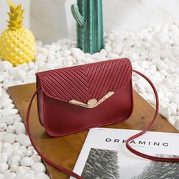 2019 мини-кошелек плечевой ремень Новая женская сумка Mini Messenger Crossbody Bag Роскошная вечерняя сумочка Стеганый кошелек-цепочка через плечо для путешествий Beach дешево мини-кошелек плечевой ремень