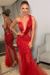 Top frisada ruched vestidos de sereia on-line-2019 Sheer Malha Top Lace Sereia Longos Vestidos de Noite Applique Frisada Ruched Sweep Train Formal Partido Red Carpet Prom Vestidos