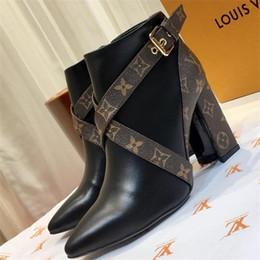 Star Trail Ботильоны женские на толстом каблуке Ботильоны Люксовый модный бренд Дизайнерские сапоги Леди Классика с принтом Кожаные высокие туфли с коробкой от
