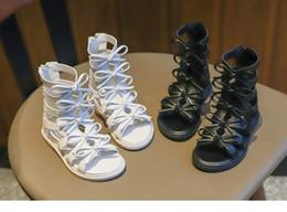 Девушки сандалии 2019 летние новые детские модные туфли принцессы с мягким дном римские туфли детские сандалии пляжная обувь нескользящая от