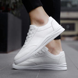 best casual shoes for men Promo Codes - Top Hot Mens Designer Casual Shoes Hot Men Canvas Shoes For Black White Trainers Outdoor Best Hiking Sport Zapatos Trainer Sneakers