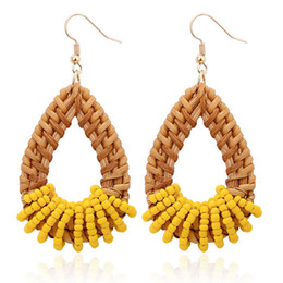 Seme di stile online-Vintage Chic Jewelry Boho Style Handmade all'ingrosso Colorful Seed Beads tessuta Rattan geometrica rotonda Orecchini pendenti per le donne Ragazze CBSE336