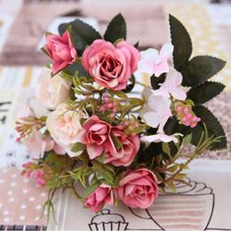 Canada style européen rétro fleurs artificielles bouquet petite simulation soie rose fleurs bouquet mariage décorations de fête à la maison Offre