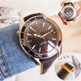 Cuir de mer en Ligne-Mens montres de luxe mer de luxe planète Ocean Watch 8500 mouvement lunette en céramique verre saphir designer maître bracelet en cuir montres