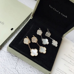 Gioiello da donna 2019 classico della moda caldo sul nuovo elegante doppio quadrifoglio orecchini da orecchini a buon mercato di platino fornitori