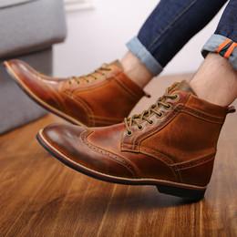 chaussure de chaussure Promotion 2018 Automne NOUVEAUX Hommes Bottes Grande Taille 38-47 Vintage Brogue College Style Hommes Chaussures Mode Casual À Lacets Bottes Chaudes Pour Homme Marron