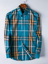 2019 stil berühmte marke baumwolle männer Dünnes Mann-Plaidhemd der neuen heißen Art der heißen Art, heiße Marke der Art- und Weisedesignermarke langärmliges Baumwollbeiläufiges Hemdstreifen-Mannhemd BURB günstig stil berühmte marke baumwolle männer