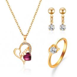 2019 anillos en forma de corazón de oro blanco Conjuntos de joyas pendientes anillo collar Carta de AMOR Forma de corazón púrpura blanco cristal ajuste color dorado plateado cadena de metal anillos en forma de corazón de oro blanco baratos