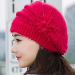 chapéu apliques atacado Desconto Mulheres Chapéus de Inverno Gorros Casuais applique Floral Moda Crochet Chapéu De Tricô Chapéu Feminino Grosso Chapéu Atacado