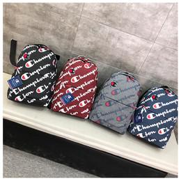Logos de marque de sac en Ligne-Marée Marque Sport Sac pour Hommes De Mode Logo Imprimé Femmes En Plein Air Sacs Casual Étudiant Sacs D'école High Street Couple Sacs À Dos