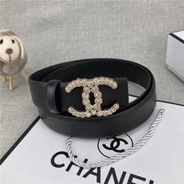 Canada Haut de gamme marques masculines et féminines alphabet perles boucle lisse luxe noir café ceinture corps 3.4cm accessoires de jeans occasionnels peuvent être en gros Offre