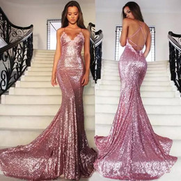 2021 vestidos de alfombra roja 2019 Rose Pink Mermaid Long Red Carpet Vestidos de fiesta de noche Lentejuelas Correa de espagueti Backless Sweep Train Vestidos de fiesta largos formales
